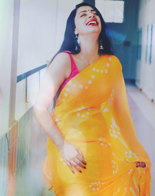 Bollywood Model Latest Stunning Pics In Yellow Sleeveless Saree Actress Trend