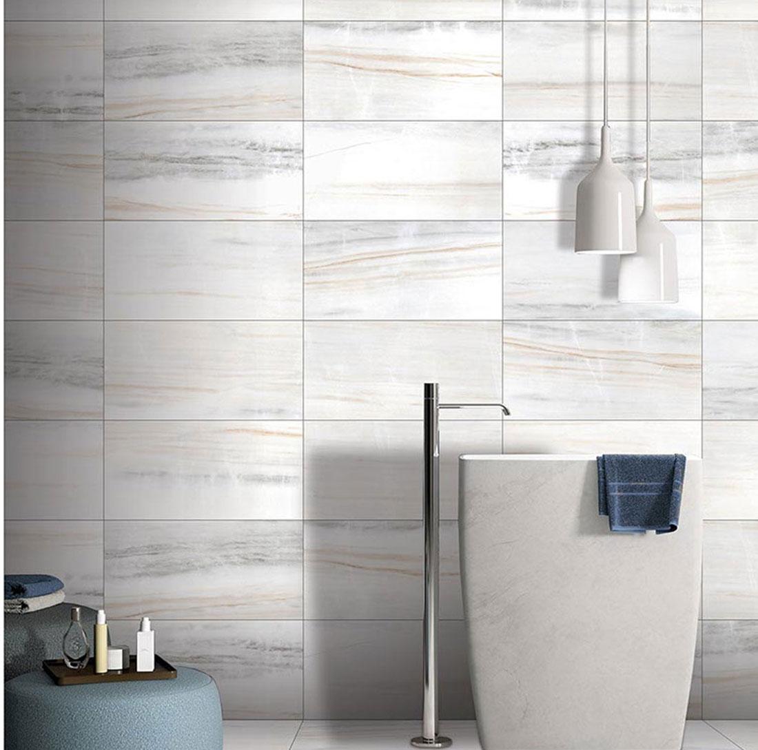 Gray-wood-looks-tile-bathroom