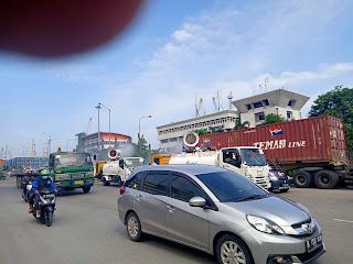 Cegah Penyebaran Covid -19, Kawasan Pelabuhan Tanjung Priok Disemprot Disinfektan