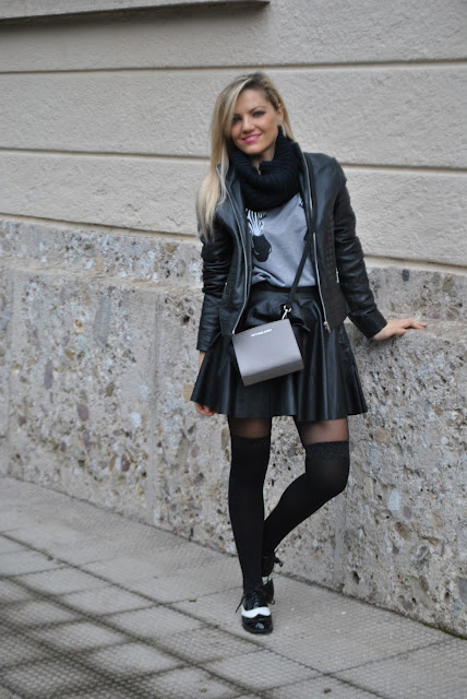 abbinamento gonna e felpa felpa con zebre stampate felpe manica a 3/4 skirt and sweatshirt how to combine skirt and sweatshirt how to match skirt and sweatshirt outfit febbraio 2016 outfit casual invernali outfit invernali ragazze bionde blonde hair blondie blonde girl mariafelicia magno fashion blogger colorblock by felym fashion blog italiani fashion blogger italiane blog di moda blogger italiane di moda fashion blogger bergamo fashion blogger milano fashion bloggers italy italian fashion bloggers influencer italiane italian influencer