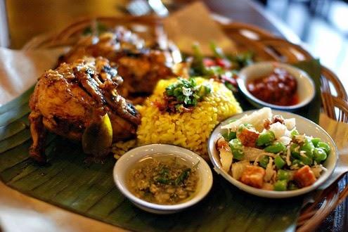 Tips Memilih Makanan Halal Saat Tour Bali!