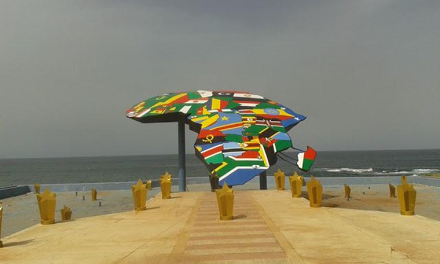 PLACE DU SOUVENIR AFRICAIN : Tourisme, hôtel, plage, culture, vacance, parcs, LEUKSENEGAL, Sénégal, Dakar, Afrique