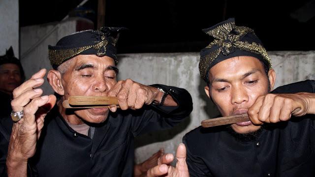 Slober - Budaya tradisi adat Lombok NTB.jpg