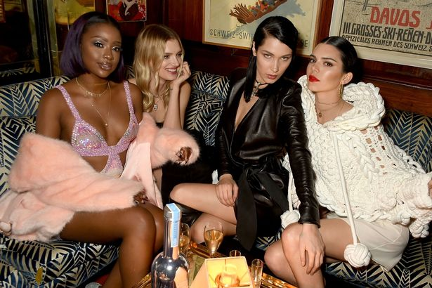 LOVE-And-Burberry-London-Fashion-Week-Party-At-Annabels-Celebrating-Katie-Grand-And-Kendall-Jenner (1)