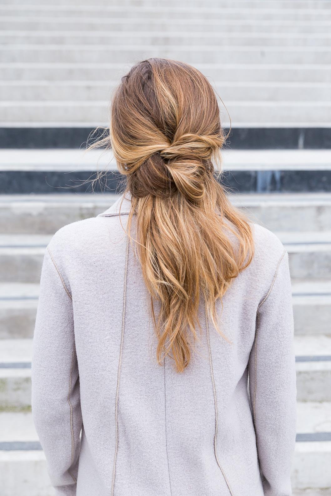 coiffure cheveux chignon flou
