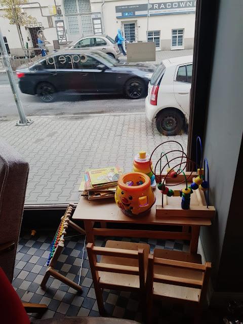 Przymiarka cafe na Łazarzu- miejsce z kącikiem dla dzieci