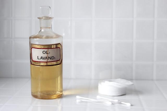olejek-eteryczny-ajurweda-pielegnacja-skory
