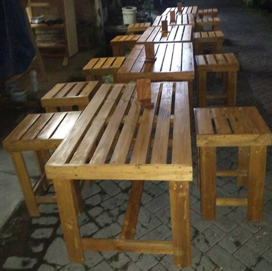 12 Contoh Meja Kursi Dari Palet Untuk Cafe Atau Warkop