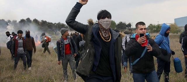 Σάμος: Επίθεση παράνομων μεταναστών σε αστυνομικούς