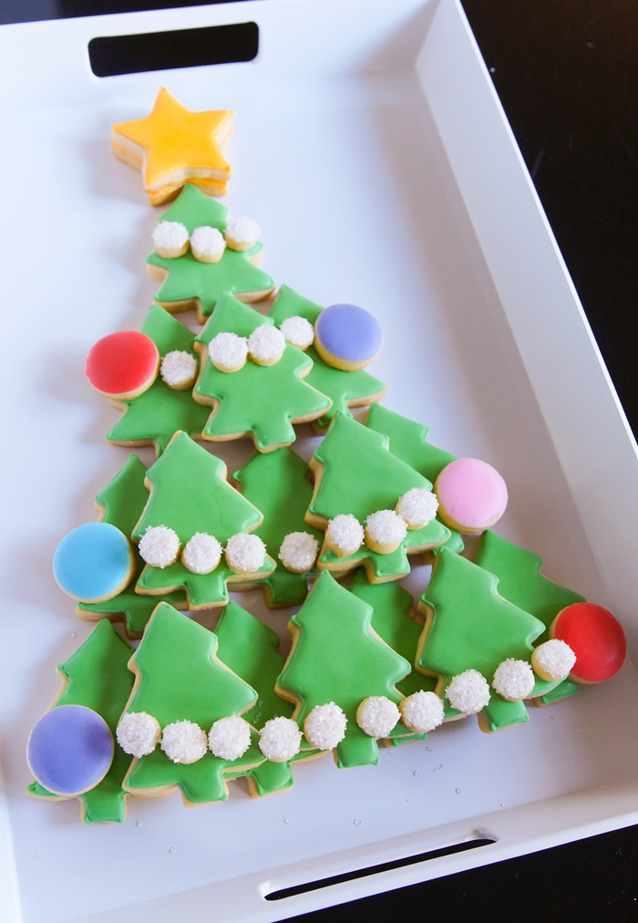 how to make a Christmas Tree Cookie Platter | bakeat350.net