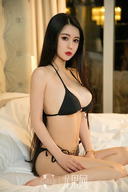 Hot and sexy booty photos of beautiful busty asian hottie chick Chinese babe model Xiao Mo photo highlights on Pinays Finest Sexy Nude Photo Collection site.