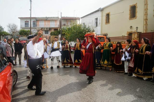 Θεσπρωτία: Αναπαράσταση αρβανίτικου γάμου την Καθαρά Δευτέρα στο Καστρί με πολύ κόσμο