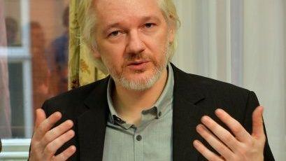 EE.UU. solicita extradición de Julian Assange a Reino Unido