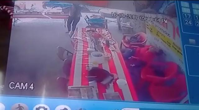 """VIDEO; Mujer herida persigue con una 5.7 """"Matapolicías"""" al sicario que ejecutó a su acompañante en León"""