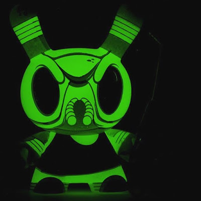 "Designer Con 2016 Exclusive Glow in the Dark Edition Bugga Bugga 3"" Dunny by Scott Tolleson x Kidrobot"