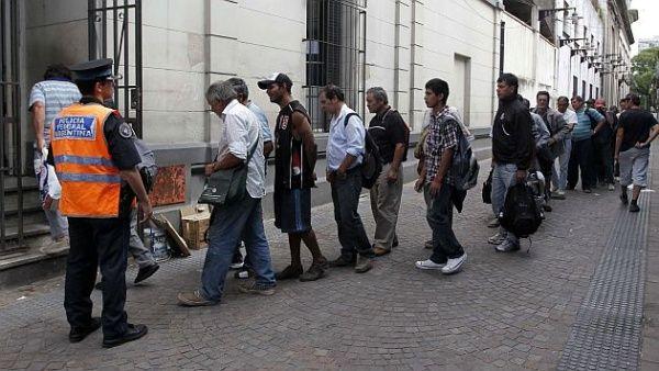 Gobierno argentino elimina miles de planes de empleo