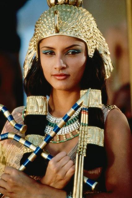 historia-maseczki-twarz-kleopatra