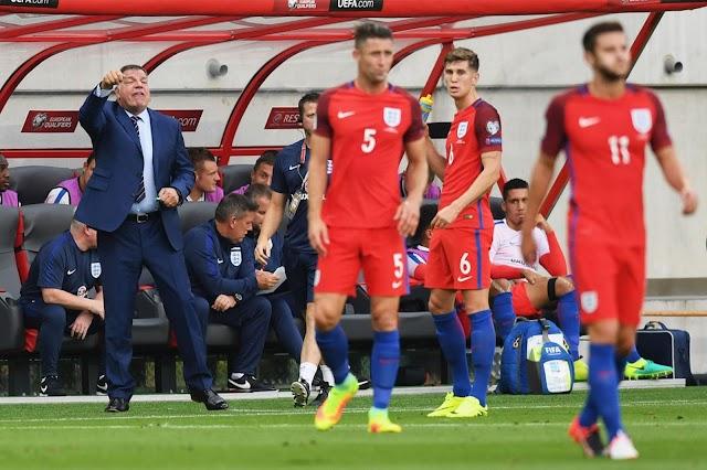 """Na estreia de """"Big Sam"""", Inglaterra sofre, mas vence"""
