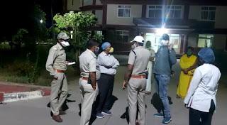 13 छात्रों के पॉजिटिव होने के मामले में पुलिस व स्वास्थ्य विभाग की टीम पहुंची जांच करने