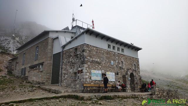 Refugio de la Vega de Urriellu, Cabrales, Asturias