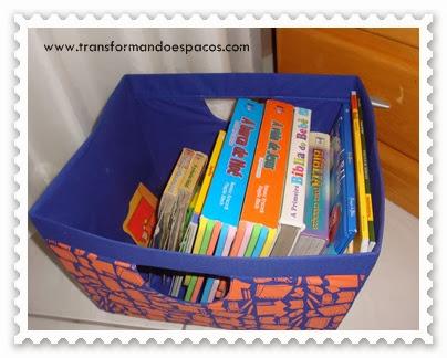 Livros infantis em caixa organizadora da Natura