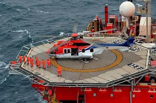 http://vnoticia.com.br/noticia/1905-helicoptero-apresenta-problema-mecanico-e-passa-por-manutencao-em-plataforma-de-petroleo