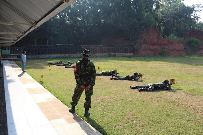 Agar Tetap Terpelihara Kemahiran Dan Keahlian, Kodim 0503/JB Laksanakan Latihan Menembak Senjata Ringan
