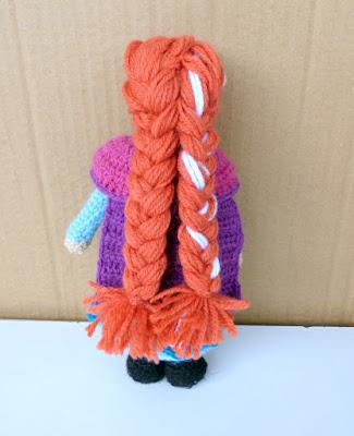 Crochet amigurumi doll frozen anna