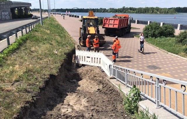 У Києві на мосту Метро обладнають з'їзд на набережну Дніпра