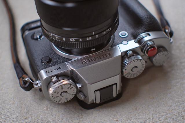 Pergear 25mm f1.8 lens Fujifilm X-E3 camera