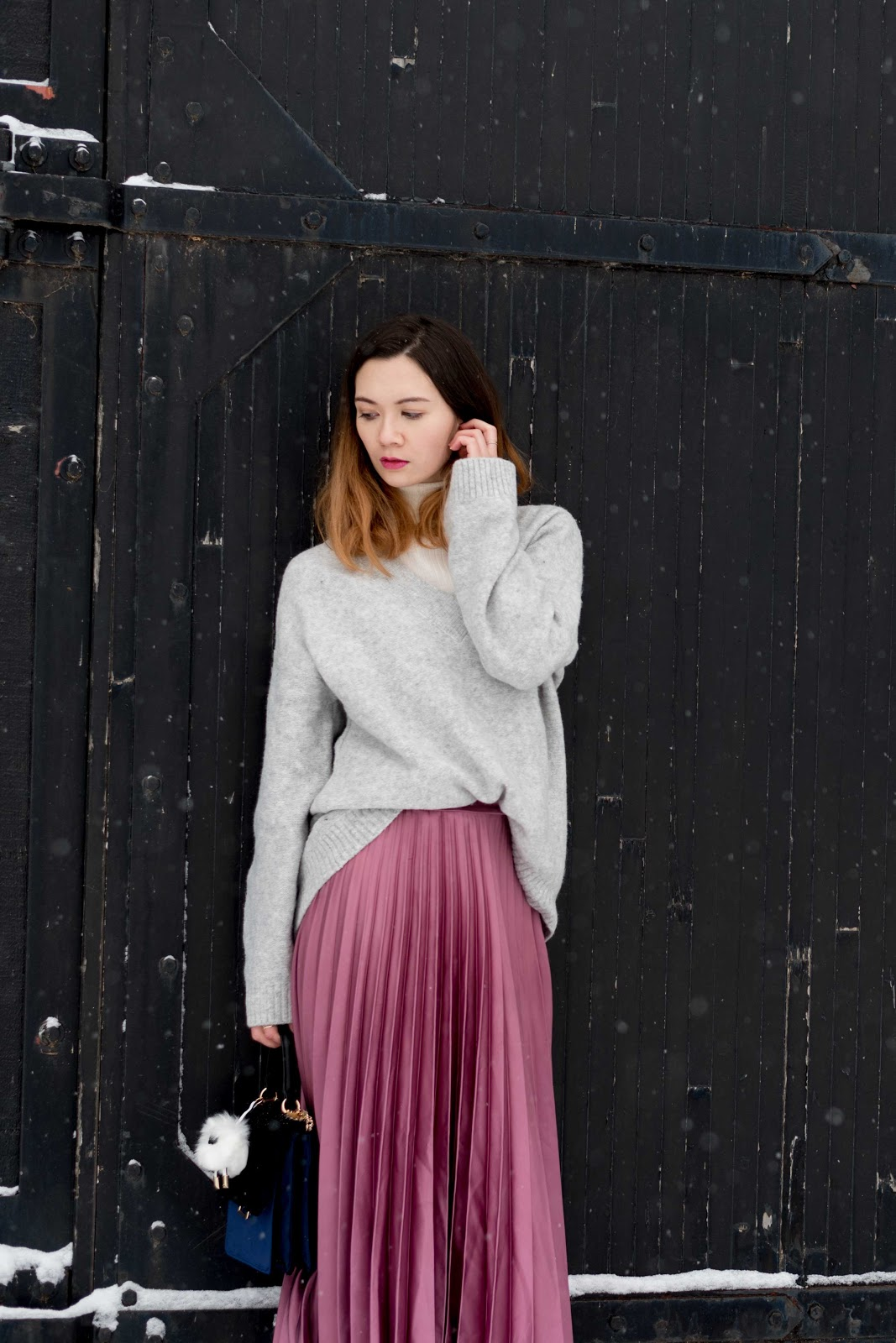 cozy sweater, oversized sweater, pleated midi skirt, velvet purse, personal style, calgary fashion, vancouver fashion, winter fashion, winter layering