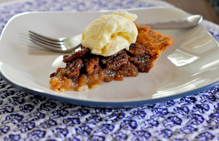 Classic-Pecan-Pie-Vanilla-Bean-Ice-Cream-tasteasyougo.com