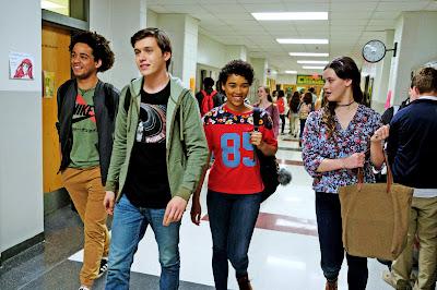 Simon y sus amigos en el instituto Creekwood
