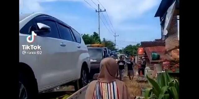 Viral Warga Sekampung Borong Mobil, Dapat Ganti Rugi Tanah Hingga Puluhan Miliar