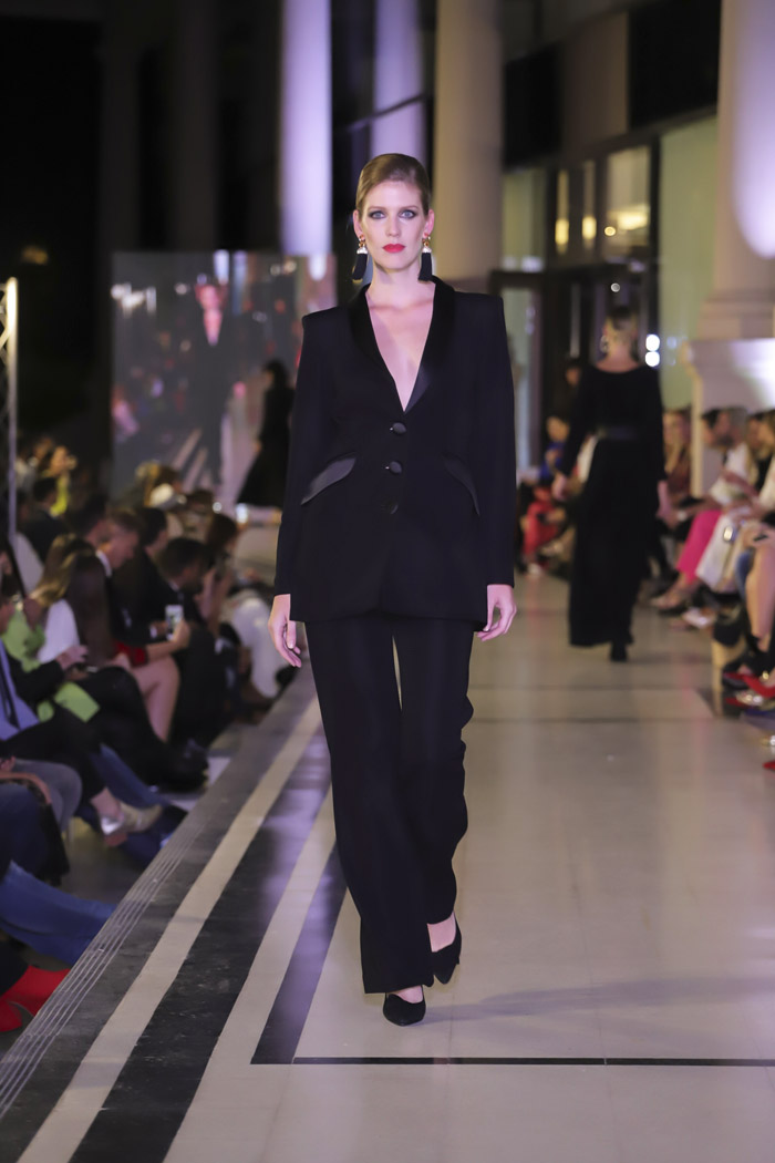Argentina Fashion Week otoño invierno 2019 │ Desfile Adriana Costantini otoño invierno 2019. │ Moda otoño invierno 2019 en Argentina. │Trajes de mujer otoño invierno 2019.