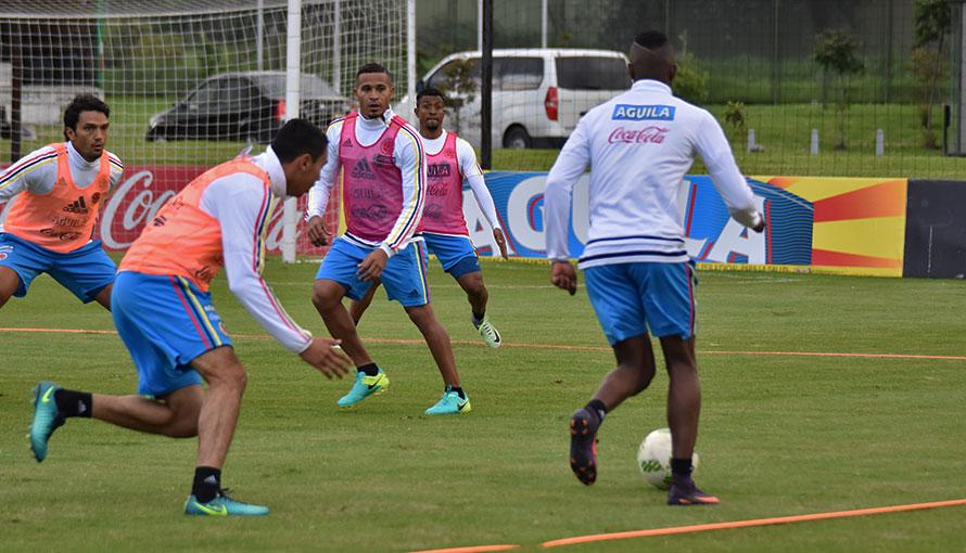 Com grupo completo, Colômbia fecha treino para Jogo da Amizade