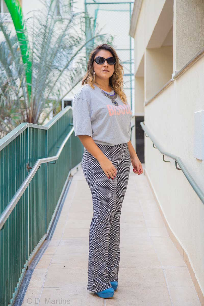 Look do dia: tshirt e calça flare