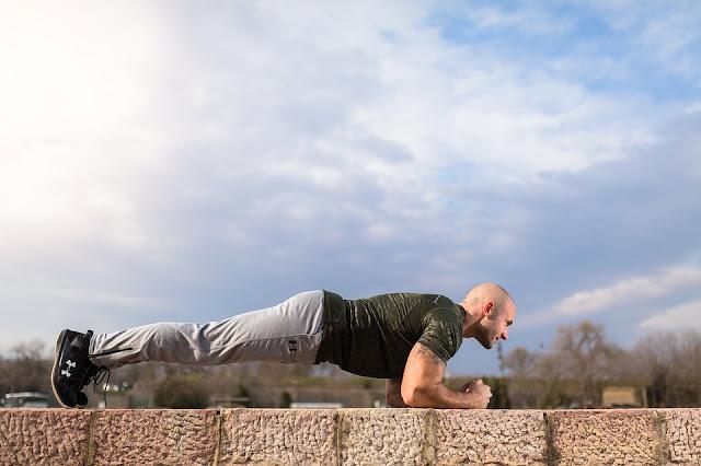 olahraga mengecilkan perut dengan gerakan plank