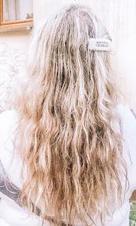 długie-blond-włosy
