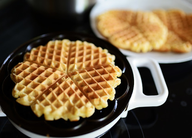 How to make waffle rolls