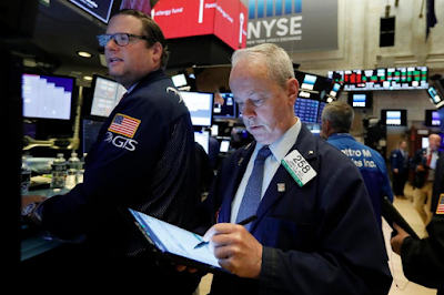 US Stocks Slide; Market on Track for Second Straight Loss