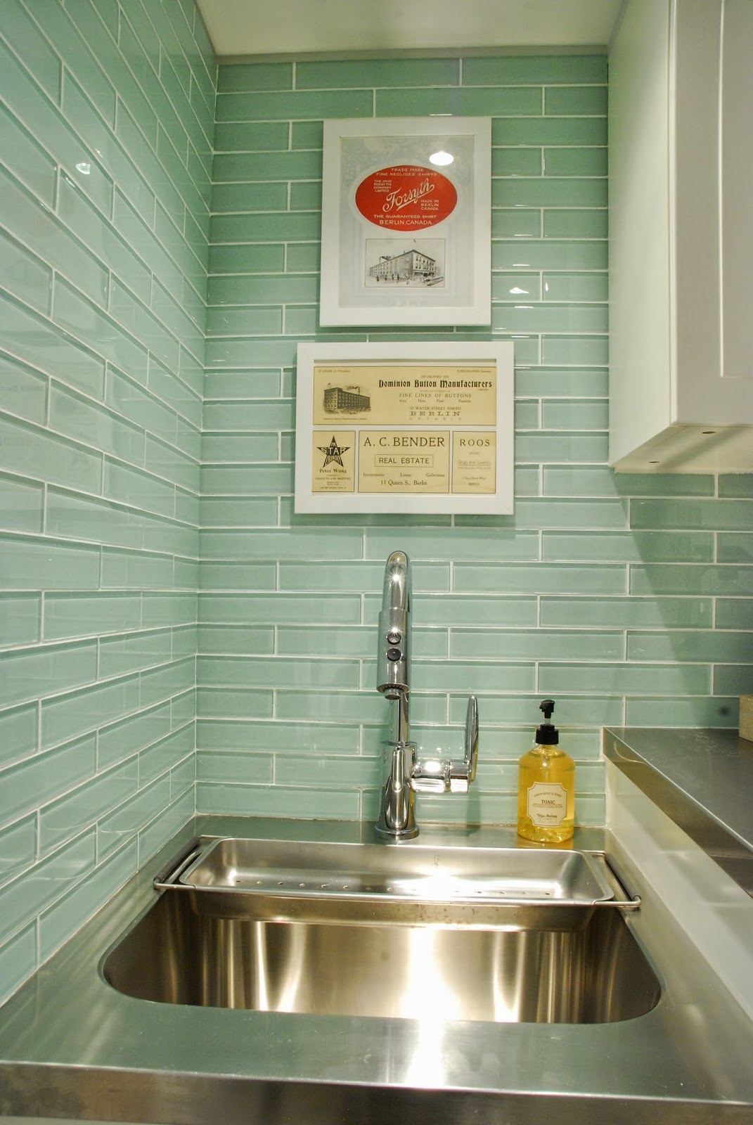 Rambling Renovators | laundry room glass tile