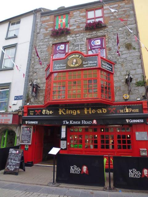 The Kings Head, tradicional pub irlandés (Galway) (Irlanda) (@mibaulviajero)