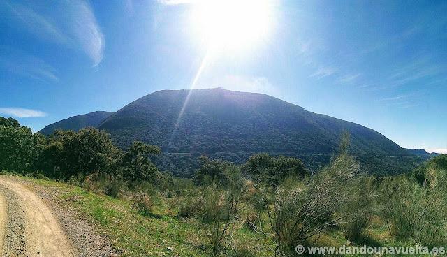 Sierra del Tablón desde la pista forestal