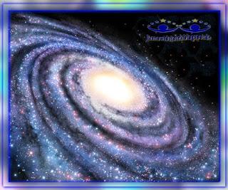 Piękno-wszechświata-Spiralna-Galaktyka-Przestrzeń-Kosmiczna