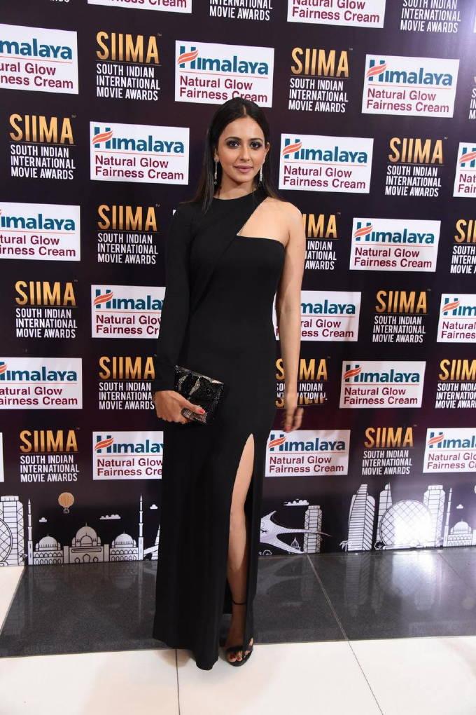 Tollywood Actress Rakul Preet Singh Photos At SIIMA Awards 2017