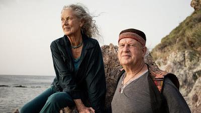 Angela Farmer phát minh thảm tập Yoga