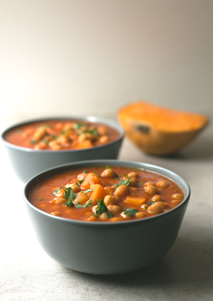 Pumpkin Chickpea Stew Recipe: This pumpkin and chickpea stew are to die for. It is a straightforward but very successful recipe, ideal for when it is cold.