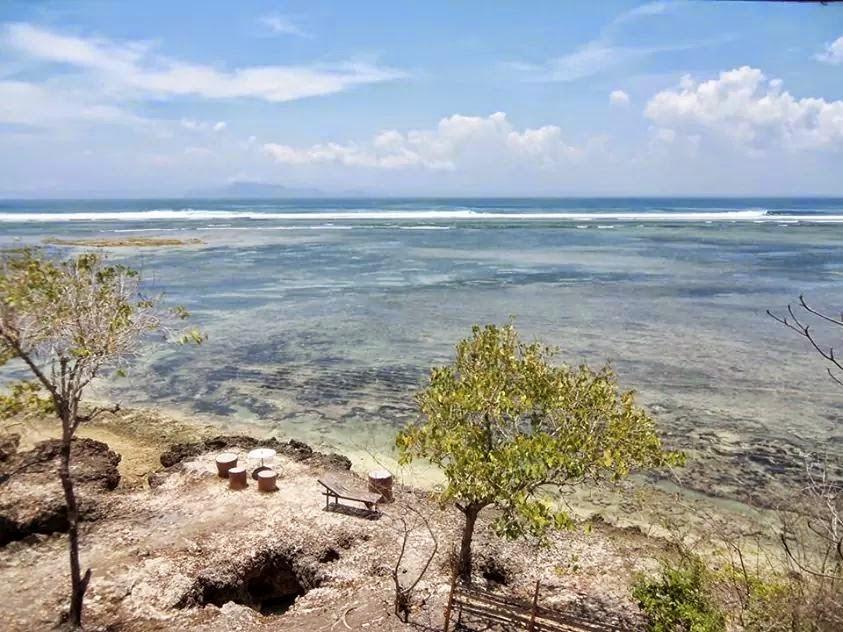 Pantai Plengkung alias G-Land di Banyuwangi