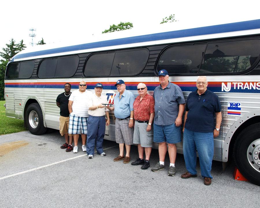 Terry Cosentino Presents Model To Nj Transit Heritage